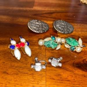 Lot # 1012 (4) Pairs of Earrings