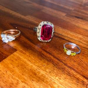 Lot # 1020 Fashion Jewelry Rings