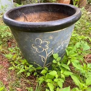 Lot # 1045 Beautiful Flower Pot