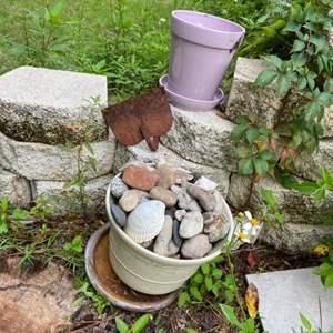 Lot # 1047 Flower Pots & Hoe