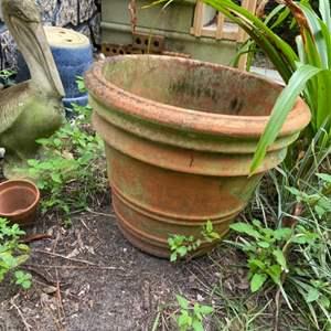 Lot # 1050 Flower Pot