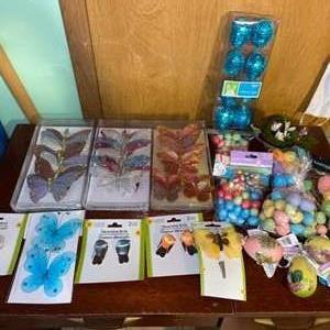 Lot # 1059 Crafting Supplies (Butterflies & Eggs)