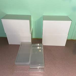 Lot # 1098 Storage Containers