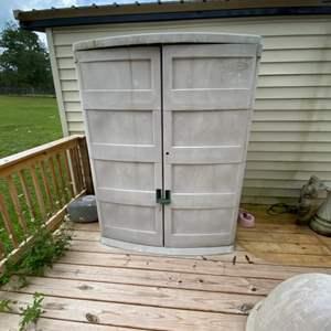 Lot # 1100 Outdoor Suncast Double Door Storage Shed