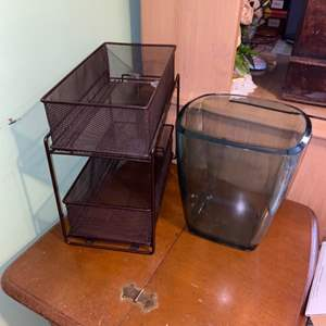 Lot # 1119 Plastic Trash Bin & Metal Table Top Double Bin Storage Unit