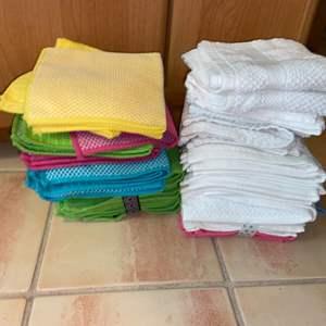 Lot # 1124 Dish Towels