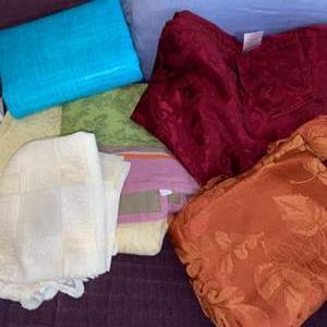 Lot # 1136 (6) Table Cloths