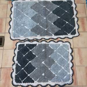 Lot # 1138 Black & Grey Bath Mats