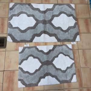 Lot # 1139 Grey & White Bath Mats