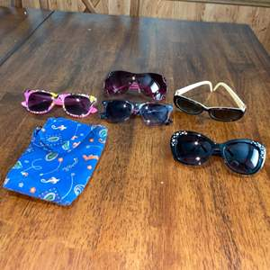 Lot # 1152 (5) Pairs of Sunglasses