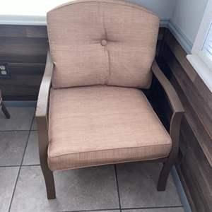 Lot # 1156 Patio Chair w/ Cushions
