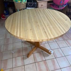 Lot # 1180 Round Table (bottom needs minor repair)