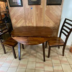 """Lot # 1185 Beautiful Drop Leaf Dining Table w/ 2 Chairs 42"""""""