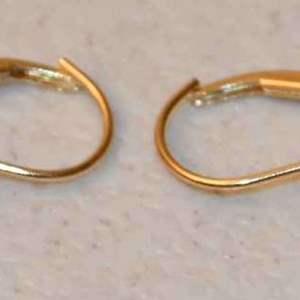 Lot # 10 14kt yellow gold CZ & ruby earrings 2.1g