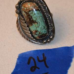 Lot # 24 NAVAJO old pawn sterling silver turquoise ring size 6 13.9g