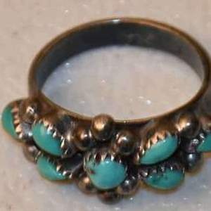 Lot # 26 NAVAJO sterling & turquoise size 5 3.7g