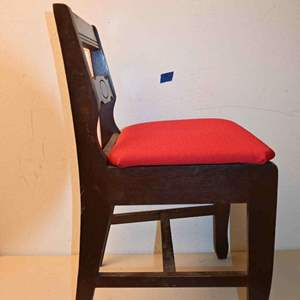 Lot # 46 Vintage CUSTOM CRAFT chair with storage seat MADE IN TENNESSEE