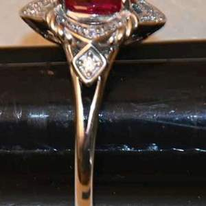 Lot # 76 AVON .925 sterling silver & simulated ruby ring size 7 3.3g with box