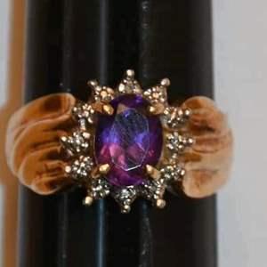 Lot # 98 10K yellow gold amethyst & diamonds size 6-1/2 ring 3.5g