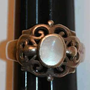 Lot # 148 Sterling silver & moonstone size 6 ring 4.4g