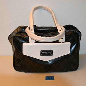 Lot # 203 MARY KAY salesperson's bag
