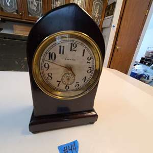 Lot # 44 Wood Mantle Clock