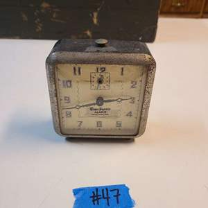 Lot # 47 Vintage Small Time Square Table Clock