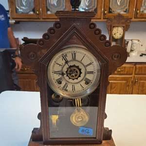 Lot # 56 Vintage Wood Mantle Clock