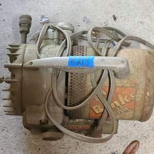 Lot # 213 Vintage Binks Spray Systems Airbrush Compressor 1/3 HP Motor 34-1011 Portable