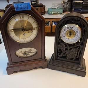 Lot # 234 Lot of 2 Mantle Clocks