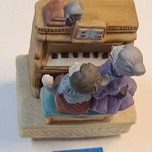 Lot # 273 Music Box (Unknown Maker)