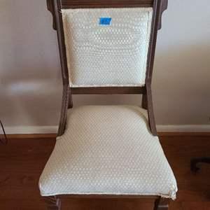 Lot # 8 Antique Cream Tone Sitting Chair