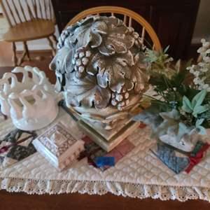 Lot # 22 Lot of Decorative Housewares