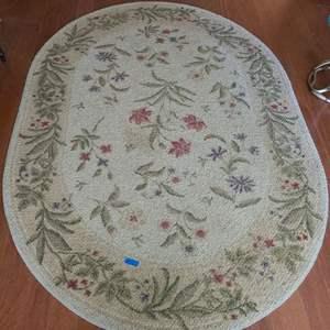 Lot # 32 Oval Floral Floor Rug