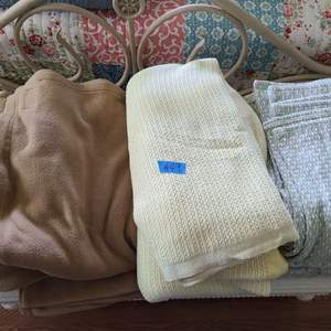 Lot # 49 Lot of Various Size Blankets