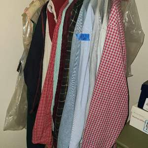 Lot # 61 lot of Men's And Women's Shirt (see size below)