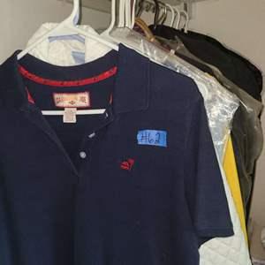 Lot # 62 Lot Of Men And Women's Clothing - Medium/ XL