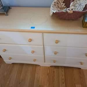 Lot # 80 Modern Full Size Dresser