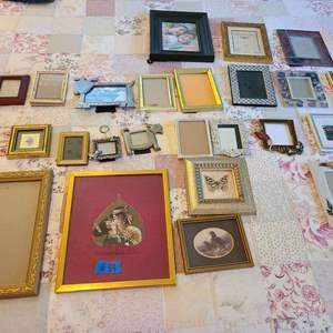 Lot # 84 lot Of Various Picture Frames