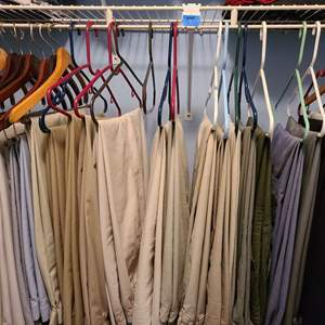 Lot # 98 Large Lot of Men's Pants (see pictures for Size)