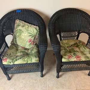 Lot # 154 Set of 2 Rattan Sitting Chairs