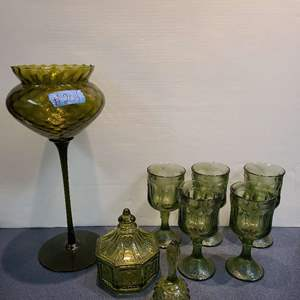 Lot # 204 Lot of Depression Green Glass Ware