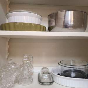 Lot # 215 Mix Lot of Kitchen Glass and Cooking Wares