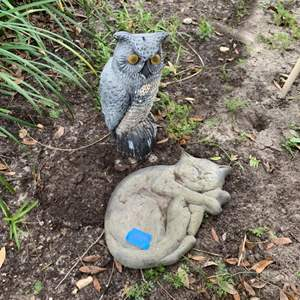 Lot # 244 Cat And Owl Outdoor Decor