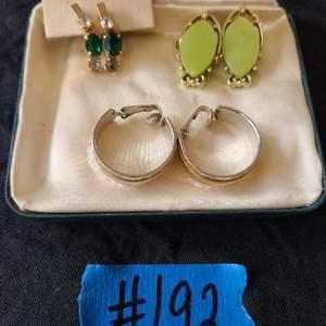 Lot # 76 Lot of Fashion Jewelry