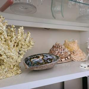 Lot # 84 Small Lot of Various Home Decor Items