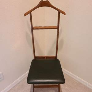 Lot # 95 Valet Chair With Seat Storage