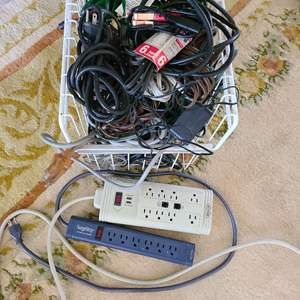 Lot # 189 Large Lot of Extension Cords & Power Strips