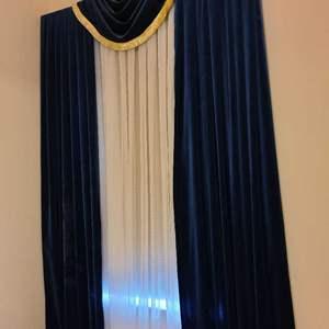 Lot # 210 Long Blue/Gold Window Dressing W/ Sheer Falls