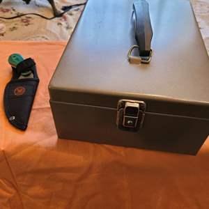 Lot # 215 Lockbox (No Key) & Knife